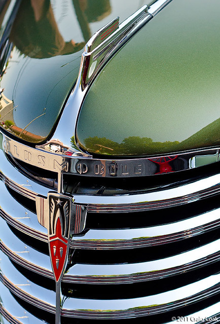 grill of '38 Olds F-38