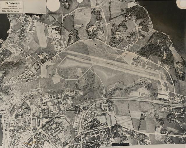 Lade flyplass (1951)