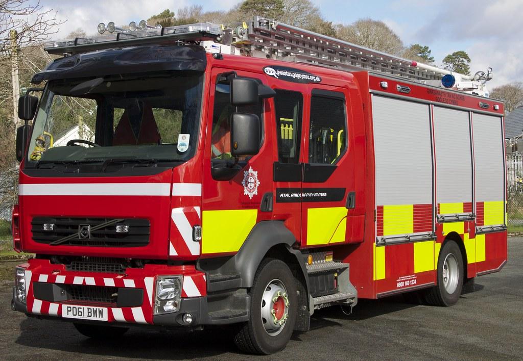 Porthmadog Fire Station`s Volvo FL260 Emergency 1 WR/L | Flickr