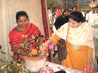 PHOTO BY SYED IRFAN ZUBERI reg flowers exhibition in  karachi zoo  ---- (56)