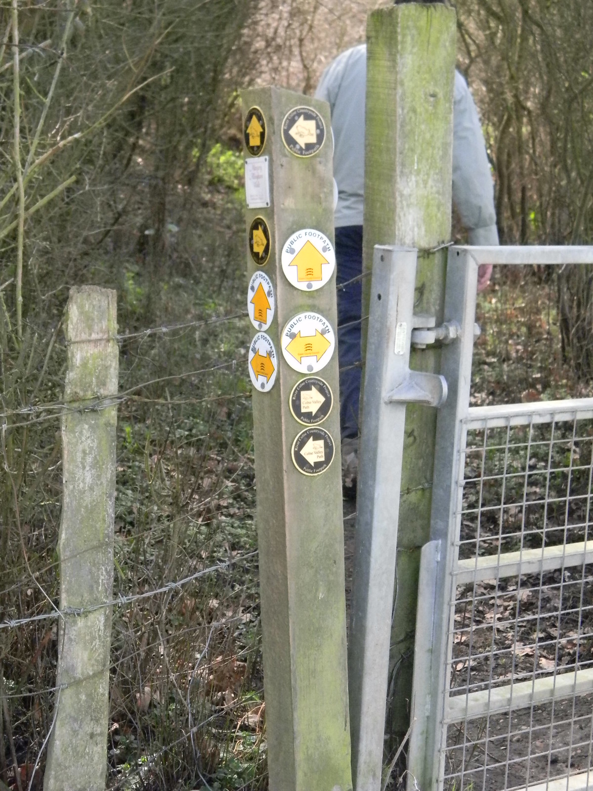 Is this a record? part 1 17 waymarks on one post (first instalment). Wakes Colne to Bures