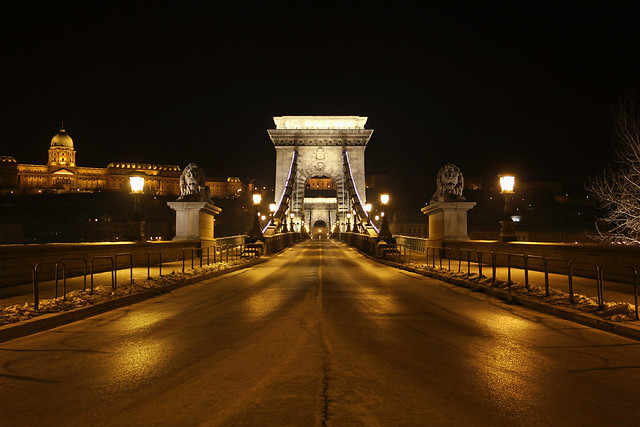 Chain bridge entrance at night 17 - viewed from the Pest side
