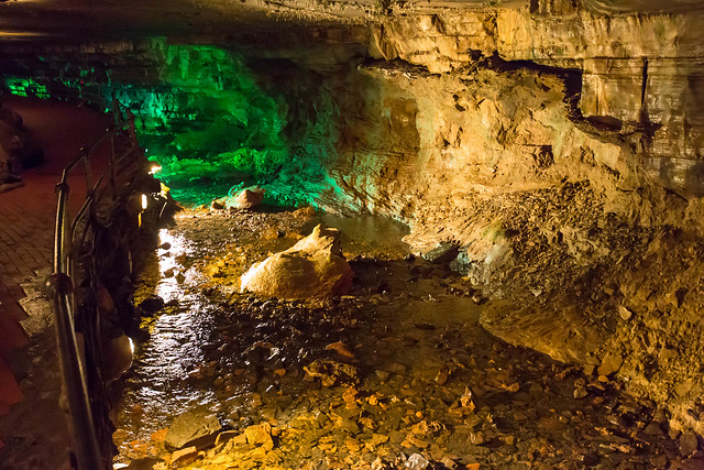 Howe Caverns - Howes Cave, NY - 2012, Apr - 08.jpg