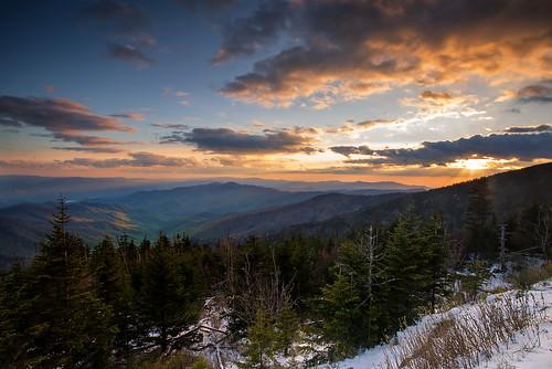 sunset snow mountains spring northcarolina tr clingmansdome landscapephotography greatsmokymountainnationalpark trphotostudio travisrhoadsphotography copyright2016 metaboneseftoeivt sonya7r2ilce7rm2