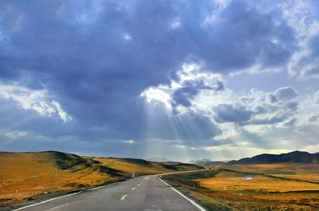 Jimsar Highway 吉木薩爾縣公路上
