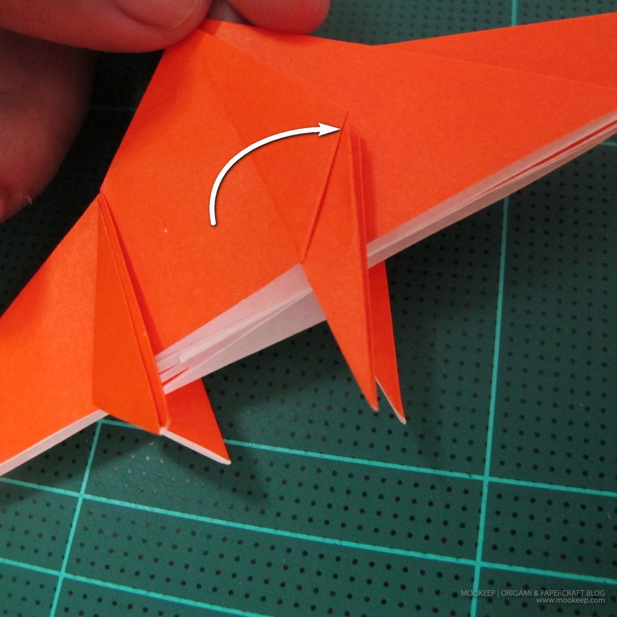 วิธีการพับกระดาษเป็นรูปไดโนเสาร์ (Origami Dinosaur) 012