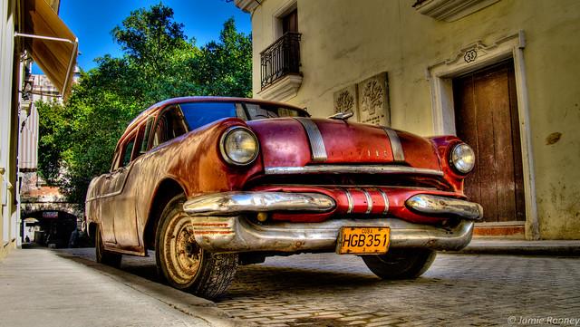 Red Car, Havana (HDR)