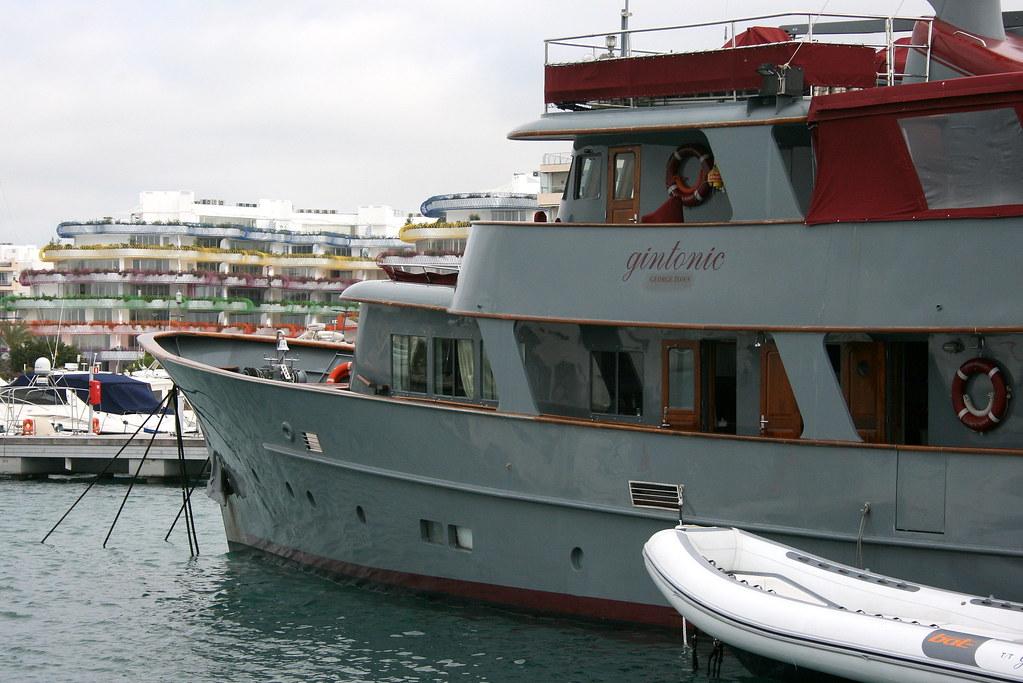 Gintonic yacht @ Marina Ibiza