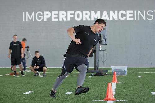 Boston College LB Luke Kuechly working his L-cone agility … | Flickr