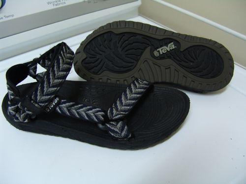 700673b10 ... sexy!teva sandals