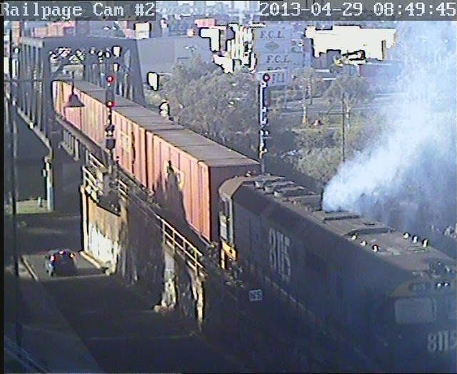 8115 shunting 29-4-2013. Really smoking it up! by Railpage Bunbury Street