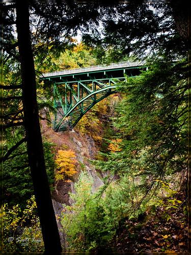 bridge autumn usa fall vermont newengland gorge hartford quechee
