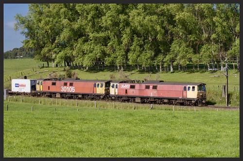 ef30105 ef ef30007 30class ngaroto waikato kiwi rail 25kv electric brush traction electrical machines international orange