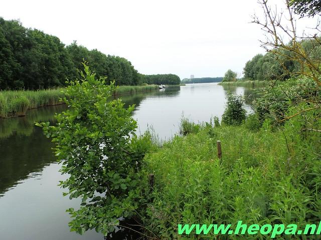 2016-06-11        Almeerdaagse     5e dag 42.5 Km (30)