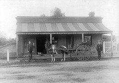 eighteenth_street_19_Humphrys_general_store_1906