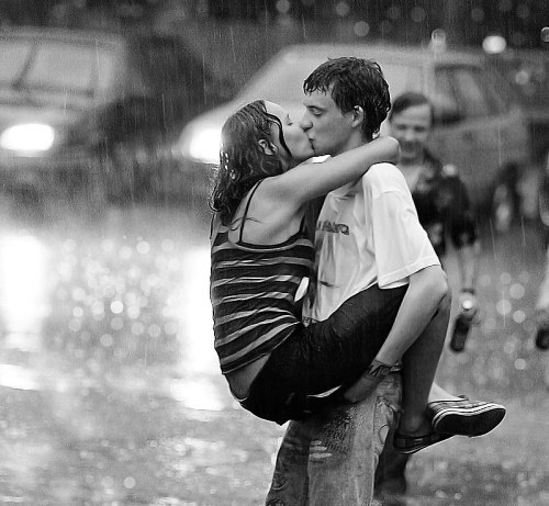Romantic Kiss In The Rain Wallpaper Romantic Kiss In The R