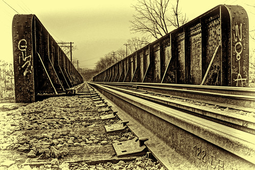 bridge ohio monochrome train loveland topaz yabbadabbadoo 52weeksofphotography