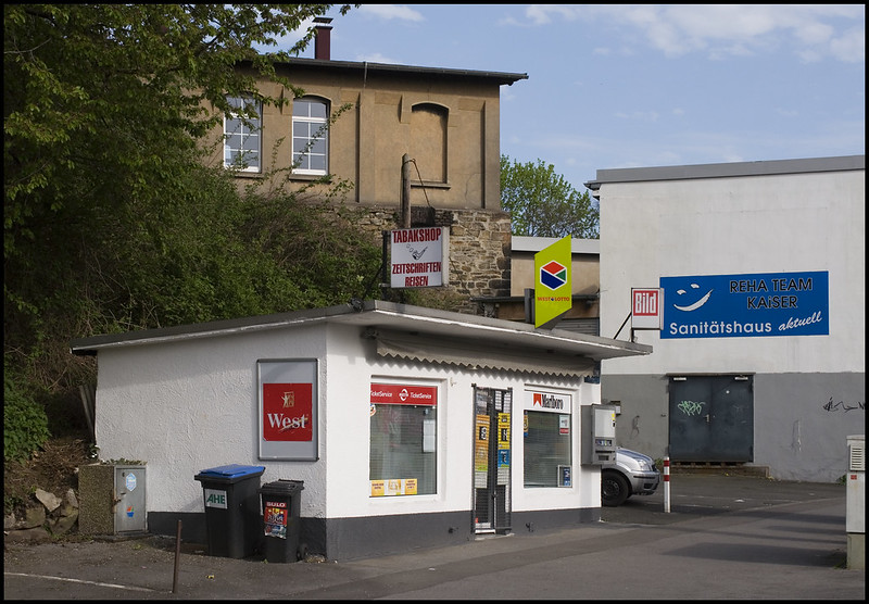 Witten / Ruhrgebiet: Tabakshop, Zeitschriften, Reisen / tobacco shop, magazines, travel