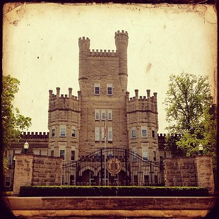 Feeling Academic #eiu #college #iphone4s #cameraawesome #photogene2 | by shirley319