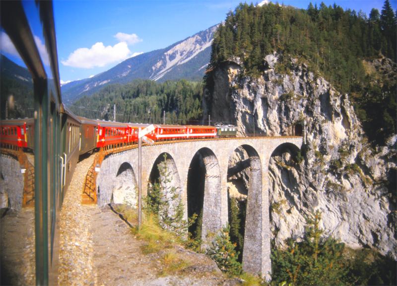 250 Filisur (Landwasserviaduct) 20 september 1984 by peter_schoeber