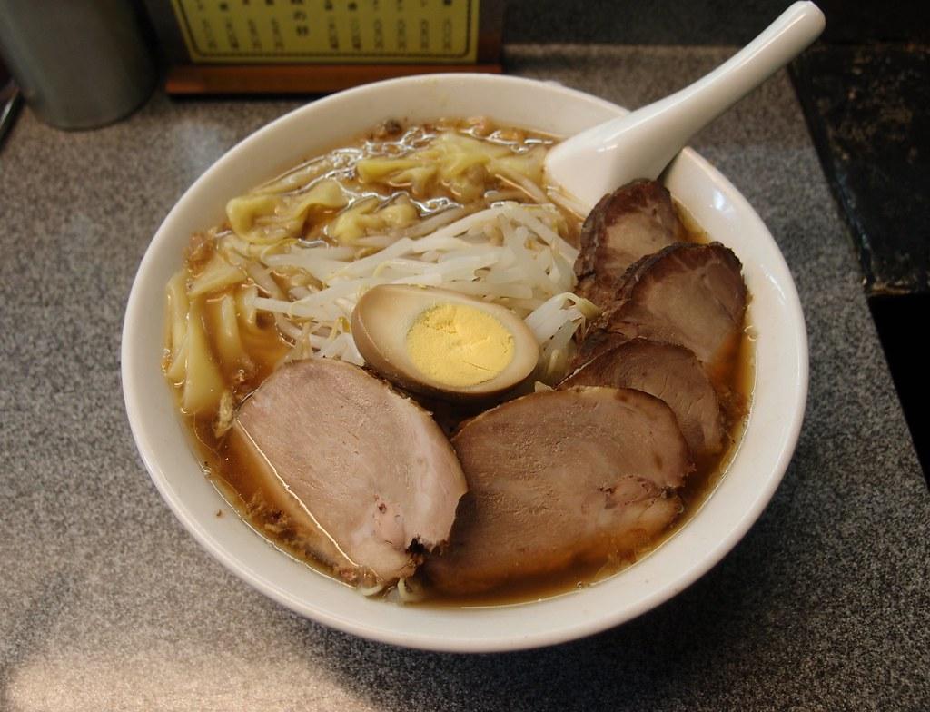 喜楽 チャーシューワンタン麺