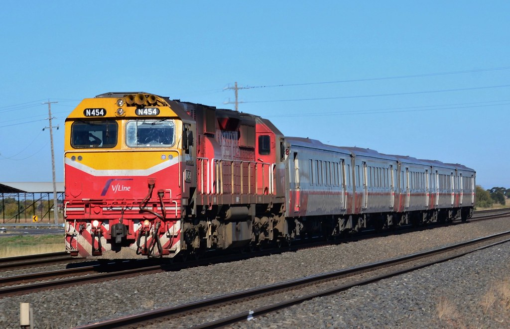 V/Line - Up South Geelong Pass by Shawn Stutsel