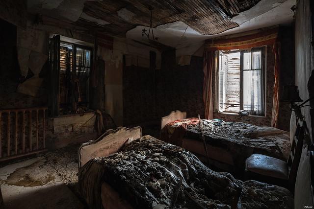 Decaybnb.