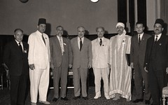 مع رئيس مجلس الوصاية في العراق والزرقا مؤتمر بغداد