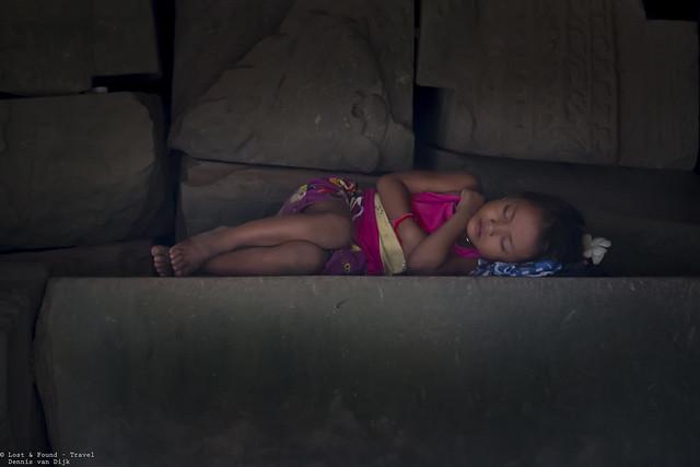 Afternoon sleep, Angkor wat