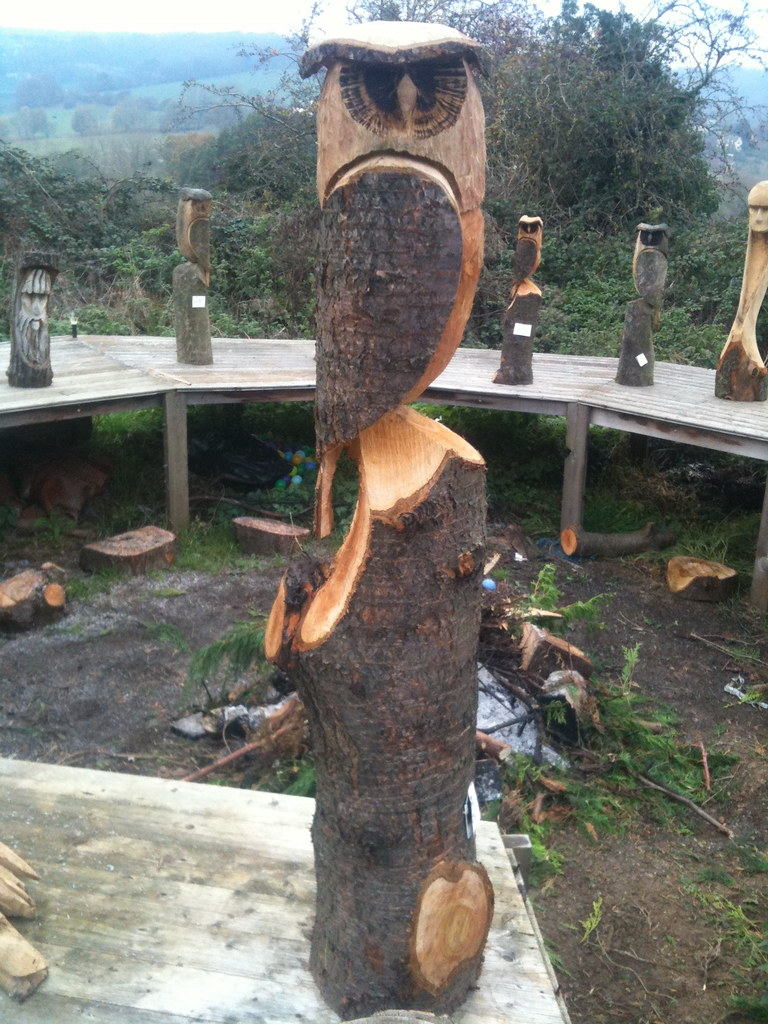 Double owl carving £ now sold but karl barker chainsaw