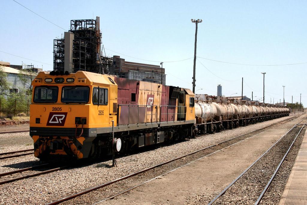 2805 9T05 Acid Train Mount Isa Yard 29 09 2007 by Daven Walters