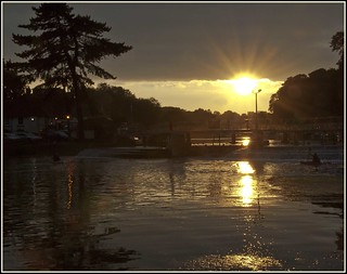 Pangbourne weir at sunset