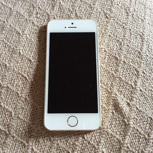 My Gold iPhone 5S. :) | by mrjuggalobigb