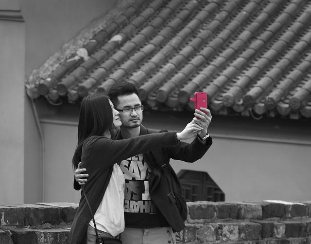 selfie_inpink(B&W)