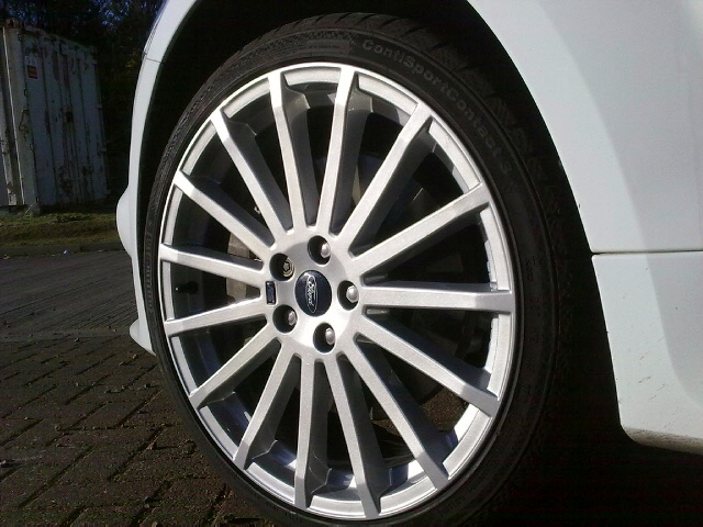 Ford Focus Rs 18 Alloy Wheel Silver Fleck We Fix Alloys Flickr