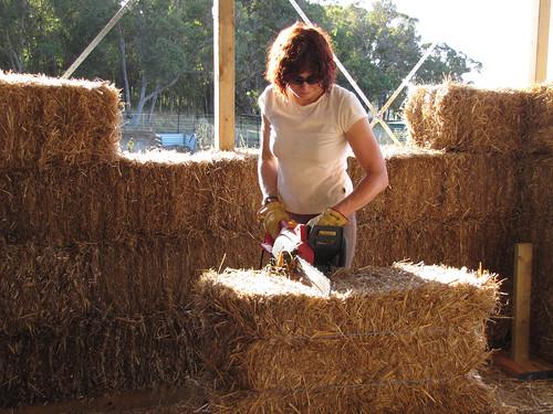 Sue Notching A Straw Bale #1 - Strawbale House Build in Redmond Western Australia