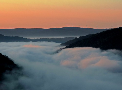 morning mist mountains nature sunrise outdoors dawn pennsylvania foggy scenic explore valley overlook fayettecounty laurelhighlands youghioghenyriver casparis