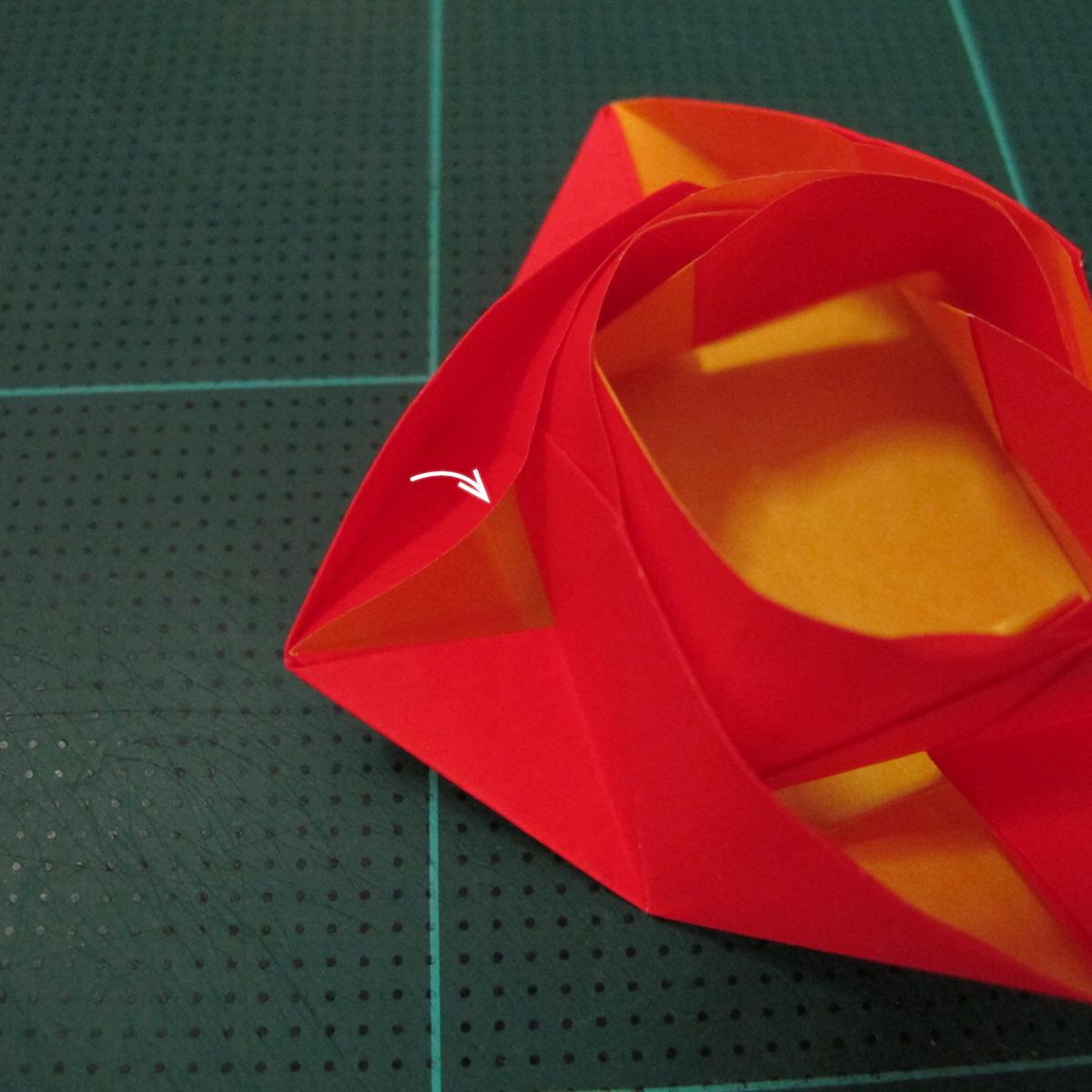 สอนวิธีพับกระดาษเป็นดอกกุหลาบ (แบบฐานกังหัน) (Origami Rose - Evi Binzinger) 019