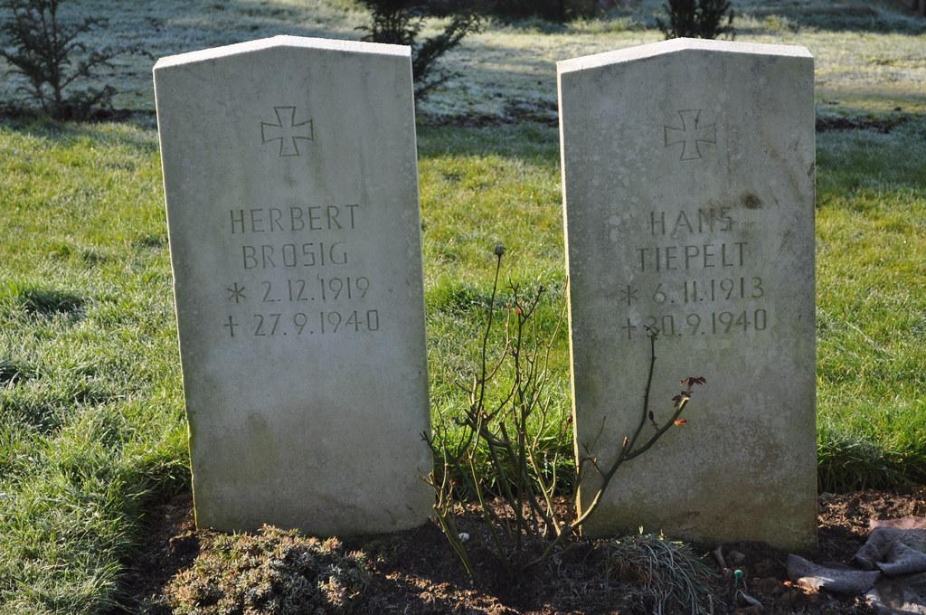 Brosig & Tiepelt - Greenbank Cemetery, Bristol | 27 09 40: T
