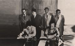 إستلام اتفاقية الصداقة بين الباكستان و سوريا ممثلها كسفير  - كراتشي - 20 آب 1951