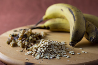 Bananas, Walnuts and Oats | by Veganbaking.net
