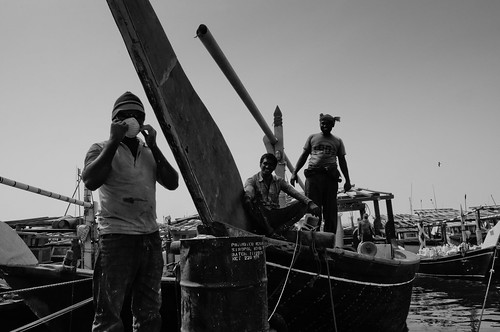 Al Wakra fishermen   by Rodrigo Pacheco Ruiz