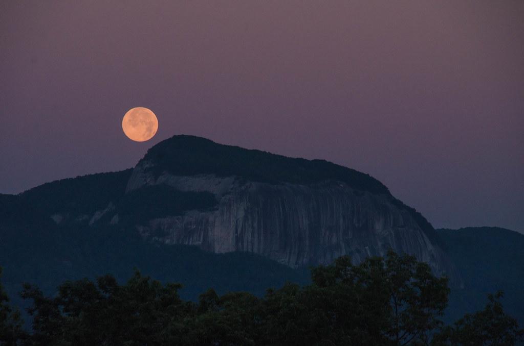 Full Moon at Half-Moon