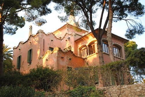 Barcelona - Parc Güell - Casa de Gaudí | by demiante