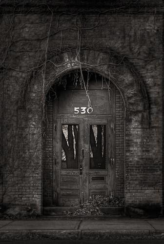 mill vines factory massachusetts doorway holyoke pretoebranco hdr unused industrialdecay arched