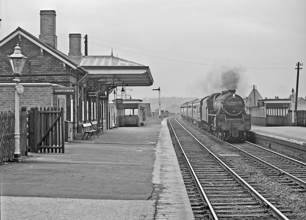 Selly Oak station 1963 (pjs 0279) | Stanier Black 5 45269 is… | Flickr
