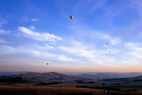 yarravalley hotairballooning yarraglen greatdividingranges