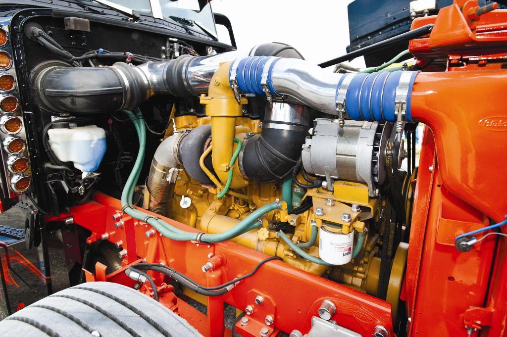 Coga Power engine   OWNER: André Cagnon MODEL: 1997 Peterbil…   Flickr
