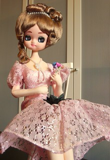 Another pink pose doll