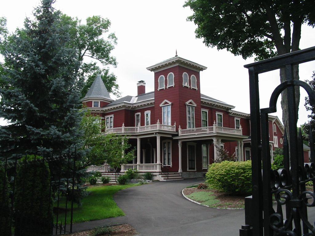 Bangor, Maine. Stephen King's house | Stephen King's house ...